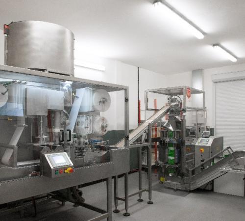 Machine pour la fabrication des dosettes CC 80-1